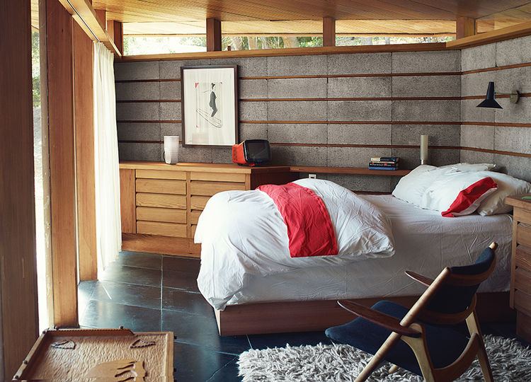 PA2-under_the_radar-renovation-napa-bedroom-concrete-redwood-hans-wegner-chair