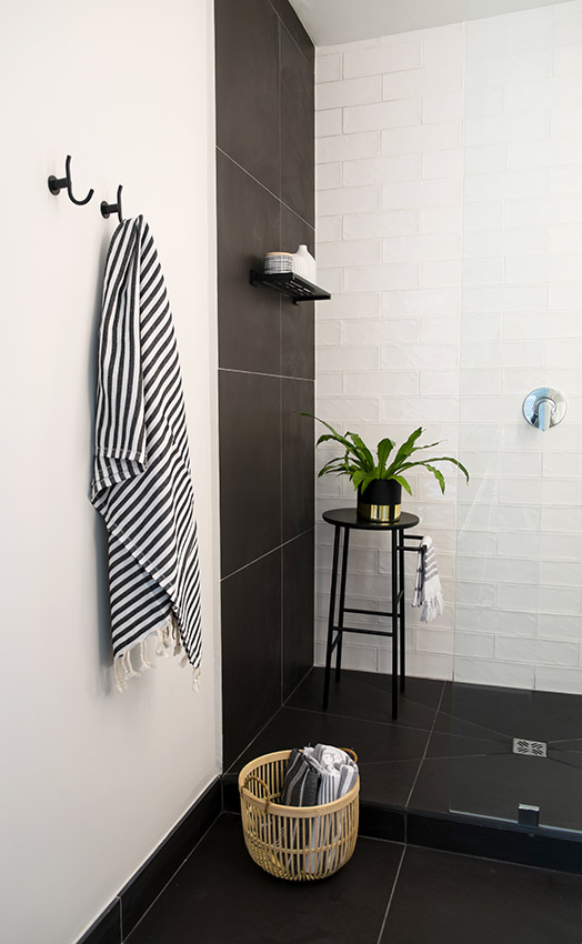 Apartment De Wet Shower - Bespoke Bathrooms