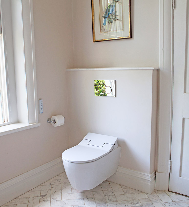 House De Grendal main en suite toilet - Bespoke Bathrooms