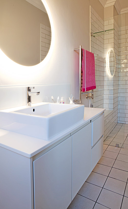 House De Villiers kid's bathroom - Bespoke Bathrooms