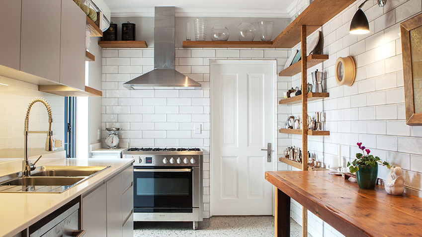 House De Villers Butler's kitchen - Bespoke Bathrooms