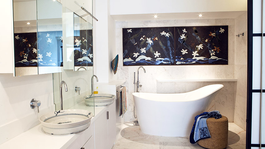 Milton Manor Main Vanity and Bathroom - Bespoke Bathrooms