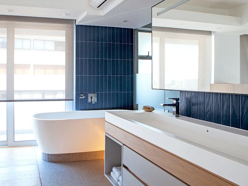 Three Anchor Bay Main en-suite bathroom - Bespoke-Bathrooms