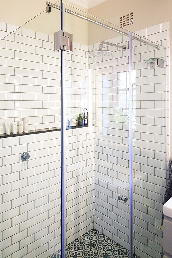 House Du Plooy Boys Shower - Bespoke Bathrooms