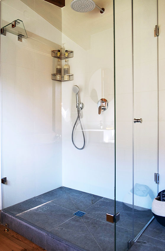 House Kloos Shower - Bespoke Bathrooms