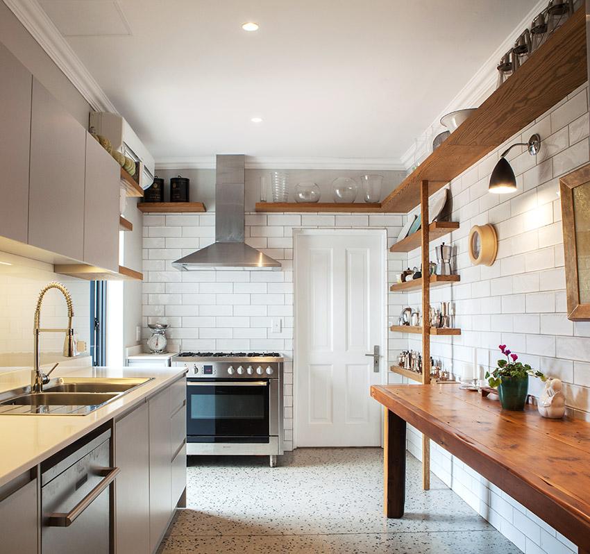 House De Villiers butlers kitchen - Bespoke Bathrooms