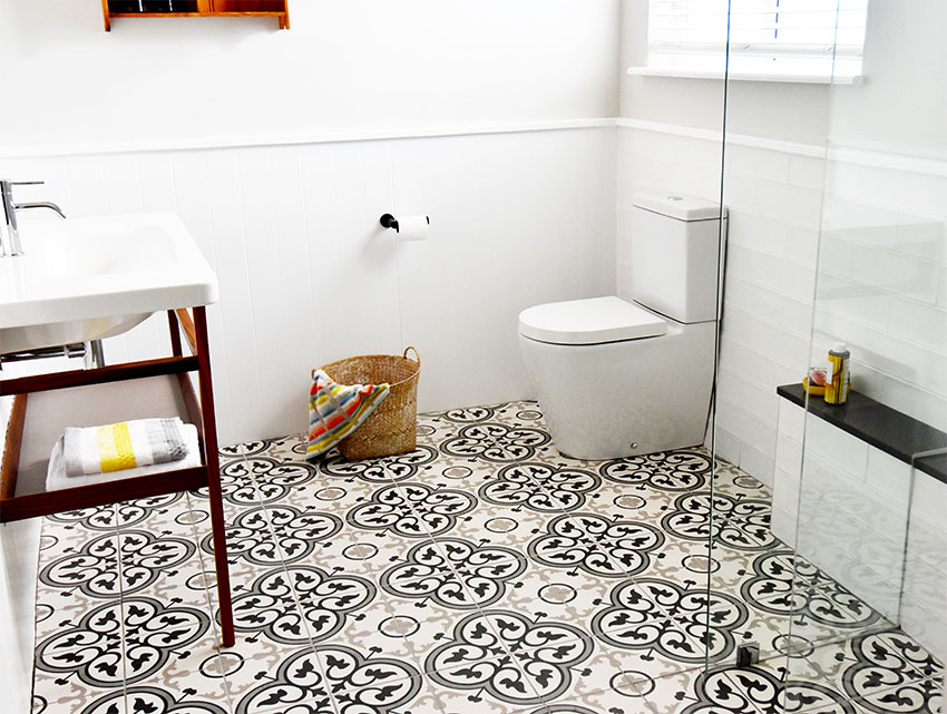 House de Villiers Arniston 2 Basin-Toilet - Bespoke Bathrooms