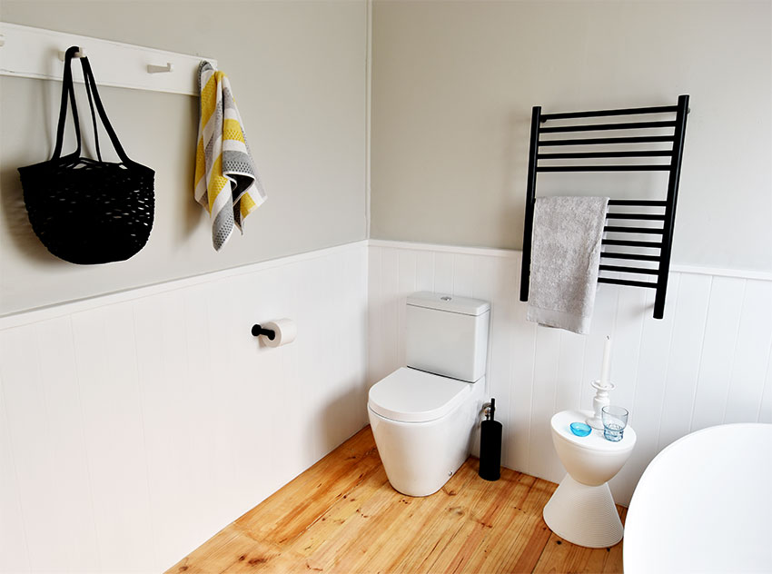 House de Villiers Arniston 3 Toilet - Bespoke Bathrooms