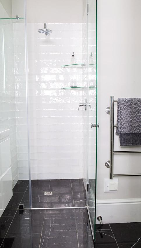 House Lilford kid's en suite - Bespoke Bathrooms