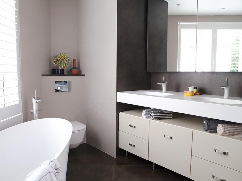 House Pecego Bath and Vanity - Bespoke Bathrooms
