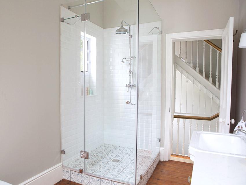 House Podems Guest Bathroom Shower - Bespoke Bathrooms
