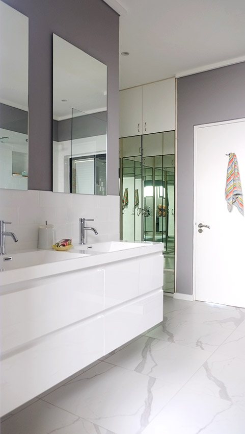 House Ravine Road Bathroom Vanity - Bespoke Bathrooms