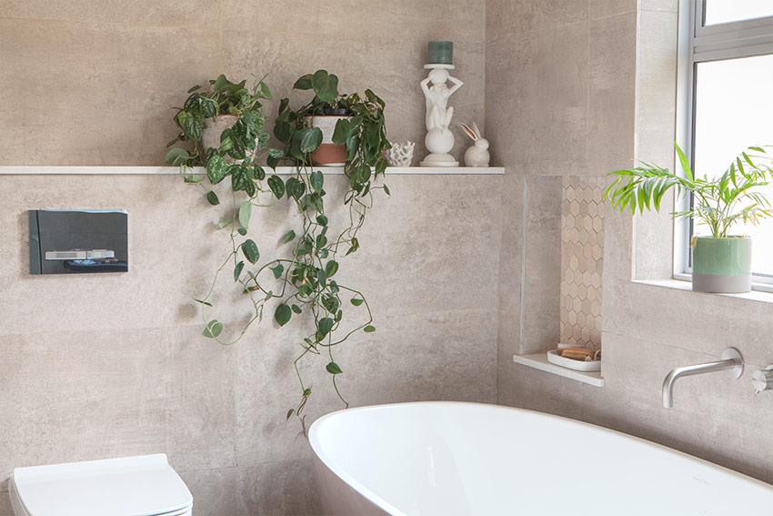 Naismith Main Bathroom Bath Niche - Bespoke Bathrooms