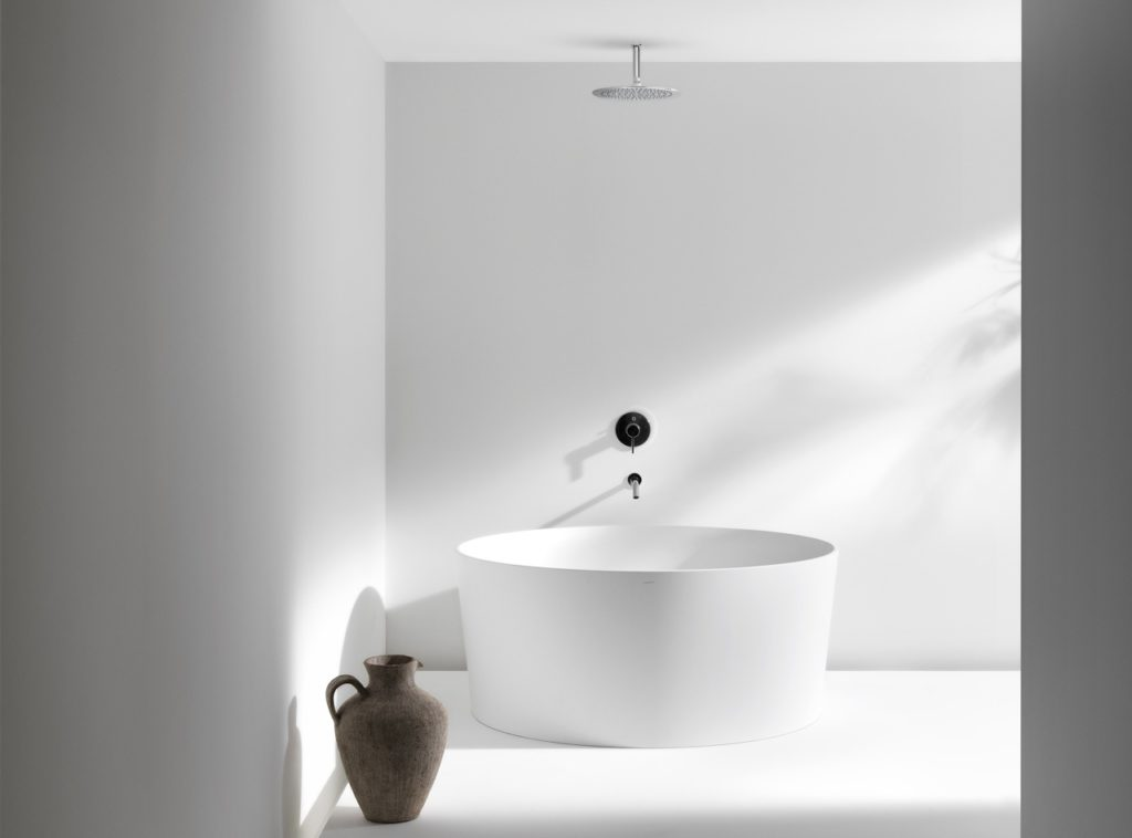 Bespoke-bathrooms-laufen-val-tub
