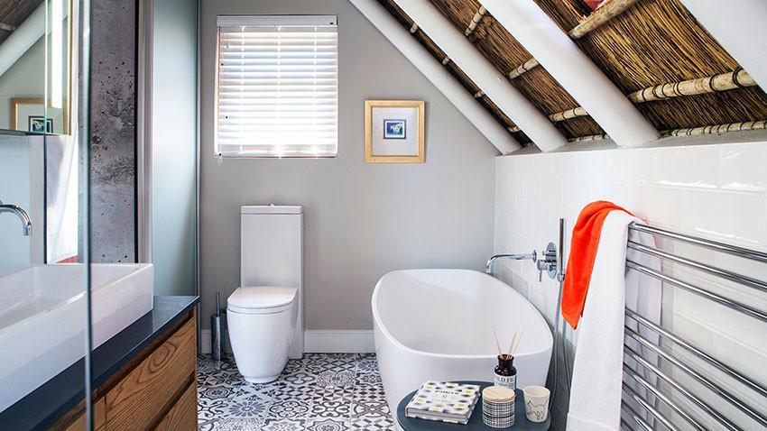 De Villiers Main Bathroom - Bespoke Bathrooms