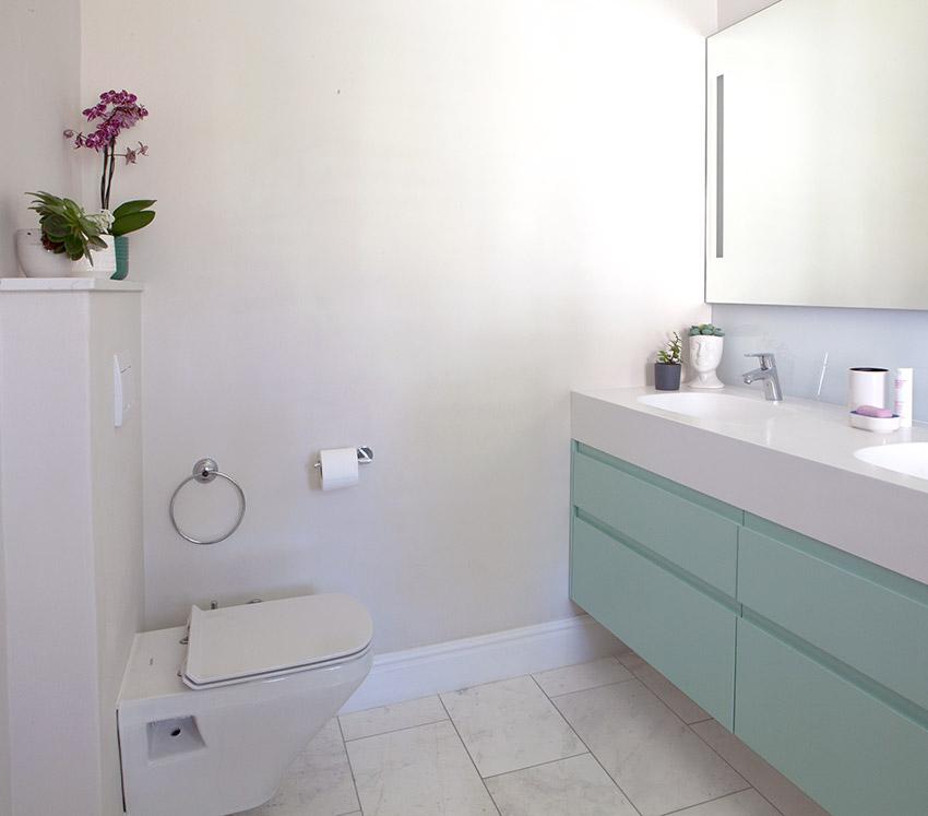 House Whitelock vanity and toilet - Bespoke Bathrooms