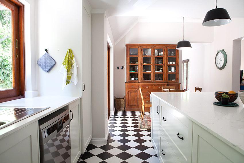 House Clegg Kitchen Dresser - Bespoke Bathrooms
