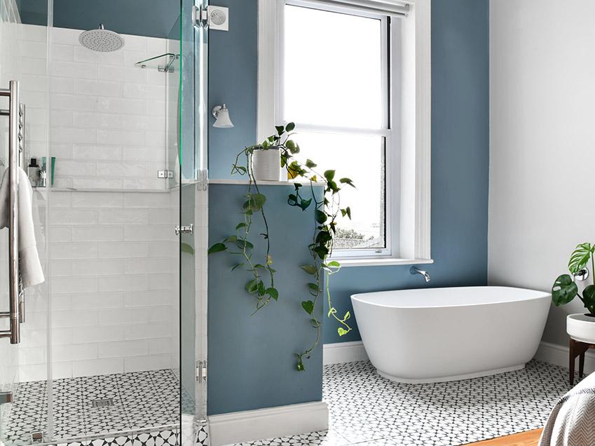 House De Jager Bathroom - Main bath and shower